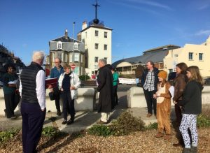 Chris Dyson, Past Masters Jaki Howes & Michael West, Dorian Crone & The Lucas family learn about the Timeball Tower on Deal beach